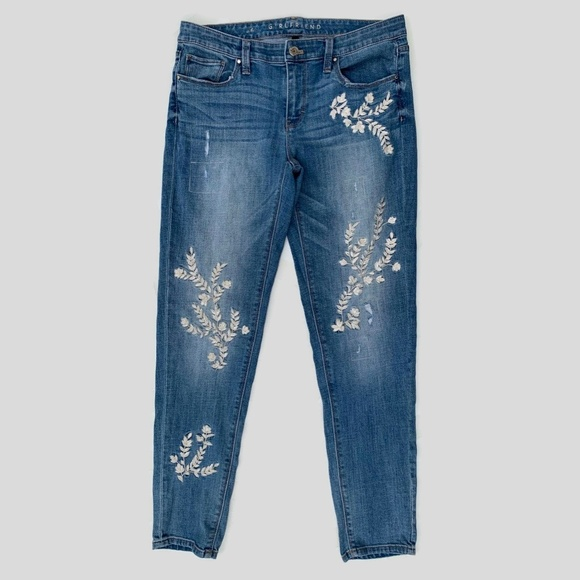 White House Black Market Denim - WHBM Girlfriend Jeans Embroidered Floral 6